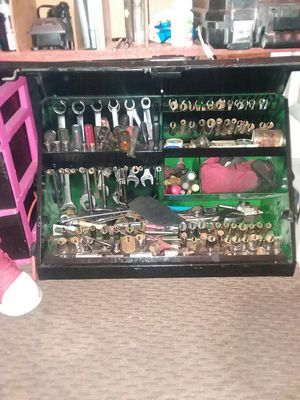 John deer tool box for Sale in Lincoln, NE