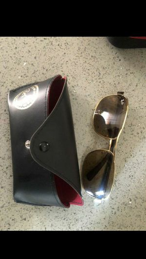 Ray ban sunglasses for Sale in Lynwood, CA