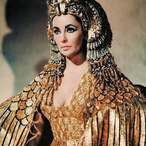 ELIZABETH TAYLOR-CLEOPATRA PICTURE for Sale in Redford Charter Township, MI