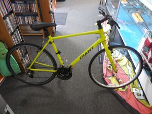 Giant Escape 2 Mountain Bike for Sale in Fort Lauderdale, FL