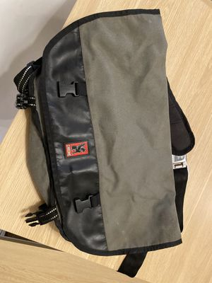 Chrome bag messenger bag gray large for Sale in Queens, NY