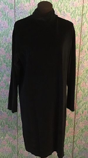 Lands End Blackvelour dress size 14-16 for Sale in Levittown, PA
