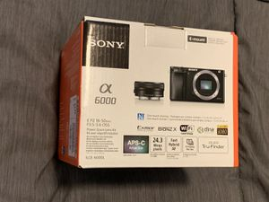 Sony Alpha a6000 Mirrorless Digital Camera 24.3mp with 16-50mm Lens (Black) for Sale in Doral, FL