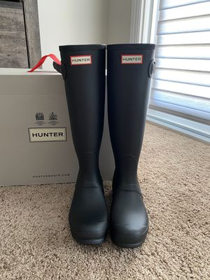 Women's NEW HUNTER Boots for Sale in Fontana, CA