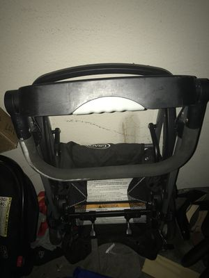 Infant Graco car seat with 1 base and click connect stroller for Sale in Austin, TX
