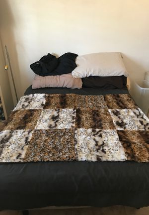 Faux fur patchwork blanket cover throw 5 x 4 feet for Sale in Phoenix, AZ