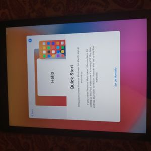 6 Generation Ipad 32 Thin Cracked Not Noticeable And Might Be Locked for Sale in Perris, CA
