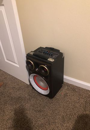 Bluetooth speaker for Sale in Nashville, TN
