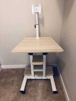 Desk Computer, White Maple. for Sale in Orlando, FL