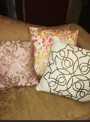 Decor living space Decorative pillows for Sale in Wenatchee, WA