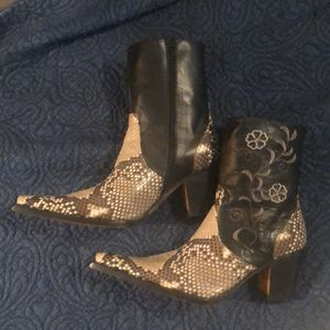 Genuine python, Circle G boots size 9 for Sale in Nashville, TN