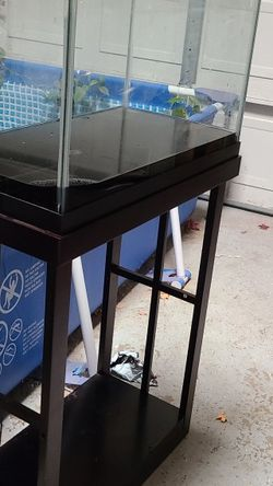 fish tank & stand for Sale in Modesto,  CA