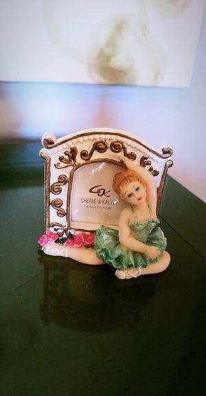 Cuadritos y adorno antiques for Sale in Miami, FL