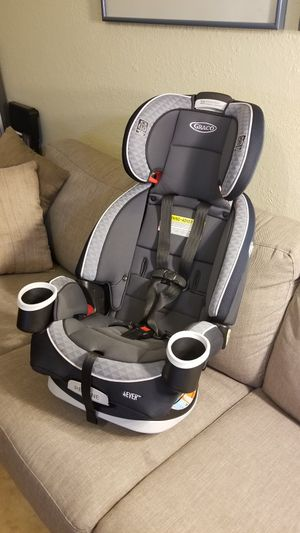 Graco 4Ever Convertable car seat w/ booster for Sale in Boca Raton, FL