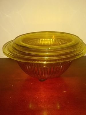 Antique Depression Glass Yellow Bowls - Set of 4 for Sale in Ashland City, TN