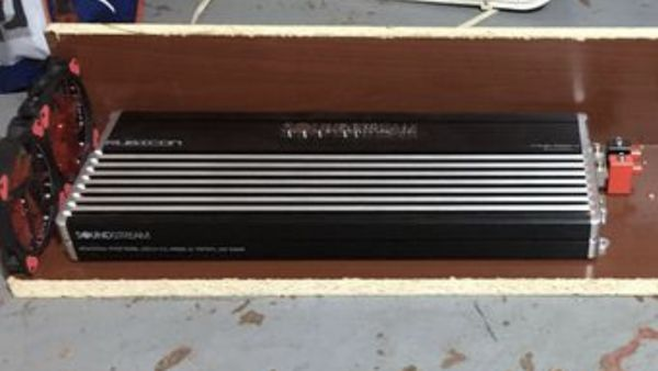 Soundstream Rubicon Amplifier RUB1.2500D (Limited Edition Black) like new sat for a year in my closet.