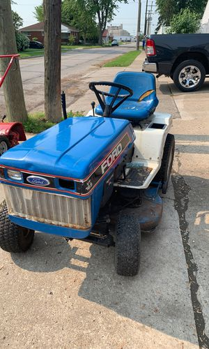 Riding lawnmower Ford Tractor 12.5 engine for Sale in Lincoln Park, MI
