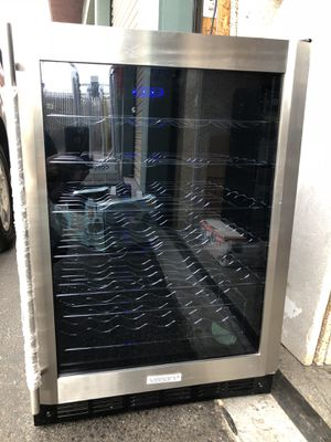 """VIssani MCWC50DST wine & beverage cooler W23""""backward 22""""1/4 tall 33""""1/8 this machine cools well but does not freeze this I say by some who believe t for Sale in El Cajon, CA"""