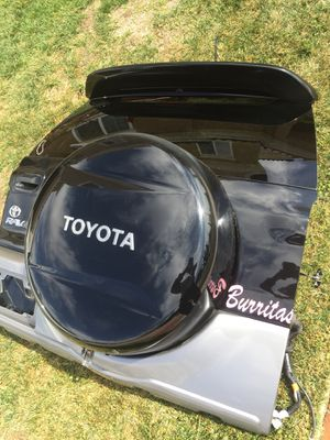 Toyota RAV4 tailgate trunk decklid hatchback for Sale in Costa Mesa, CA