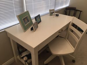 Pottery Barn Desk and Chair for Sale in Highland Park, IL