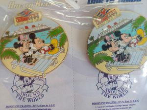 DISNEY COLLECTIBLE ACCESSORIES/PINS for Sale in Plant City, FL