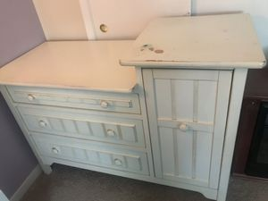 Ivory Changing table dresser for Sale in Derwood, MD