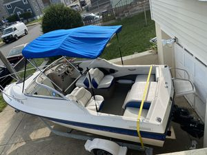 Boat bayliner 192 2004 135hp for Sale in Bridgeport, CT
