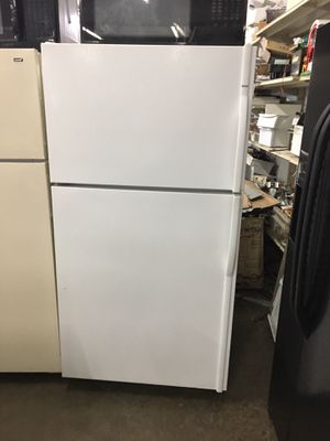 Over 21 ft.³ Guaranteed Refurbished white refrigerator for Sale in Knoxville, TN