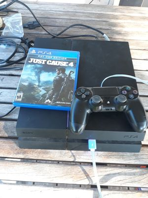 Playstation 4 all cables in good condition with control and one free game its 500 gb for Sale in Dallas, TX