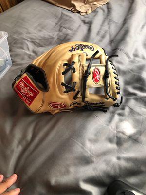 Rawlings Baseball glove for Sale in Whittier, CA