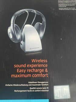 Sennheiser Headphones Wireless for Sale in Chicago,  IL