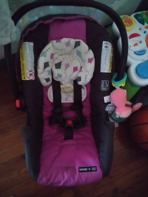Girl clothes and invent car seat for Sale in Dunmore, PA