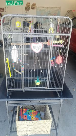 Metal bird cage with all accessories. for Sale in Phoenix, AZ