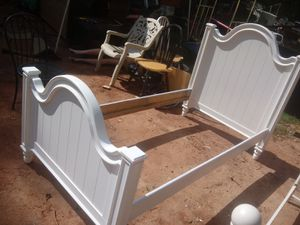 White twin bed for Sale in Morrow, GA