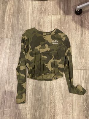 Hollister Long Sleeve for Sale in Litchfield Park, AZ