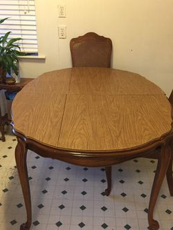 Oak Table And Chairs for Sale in Fresno,  CA