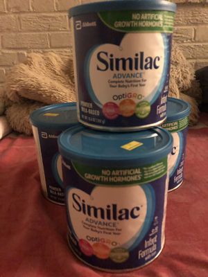 Vendó leche similac for Sale in Adelphi, MD