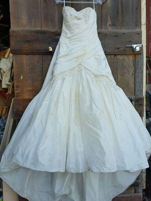 Sophia tolli wedding dress beaded for Sale in Stewartsville, NJ