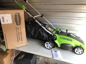 GreenWorks 16-Inch 10 Amp Corded Lawn Mower 25142 for Sale in Las Vegas, NV