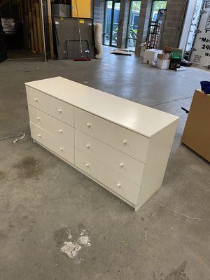 6 drawer white dresser for Sale in Gaithersburg, MD