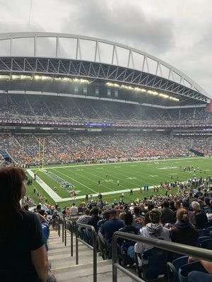 Hawks vs Rams, Vikings, Cardinals, 49'ers x 2 tickets for Sale in Des Moines, WA