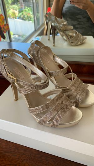 Glint Champagne Gold Heels 8.5 for Sale in Oceanside, CA
