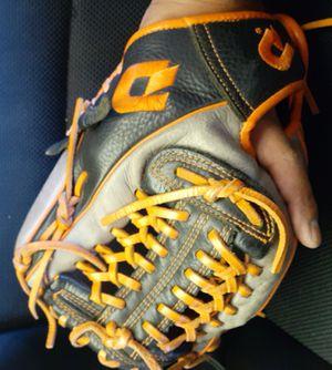 "Demarini 11.5"" ball glove for Sale in San Diego, CA"