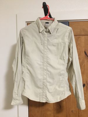 Patagonia women's button down shirt for Sale in Upper Gwynedd, PA