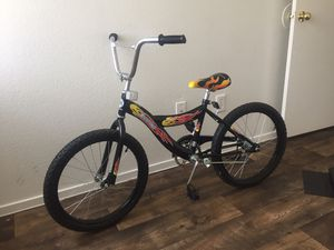 NEW BIKE!! For kids 10yrs old and up. for Sale in Las Vegas, NV