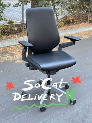 **IMMACULATE** SteelCase Gesture Fully Loaded Ergonomic Premium Supple Leather Office Chair for Sale in Glendale, CA