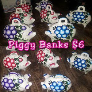 Piggy Banks $6 for Sale in Pomona, CA