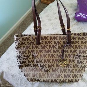 Michael kors Brand New Tote Bag for Sale in Mays Landing, NJ