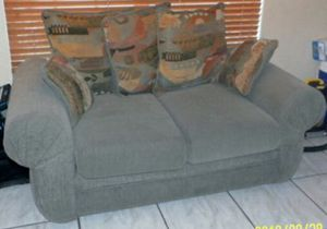 Sofa and couch for Sale in Miami, FL