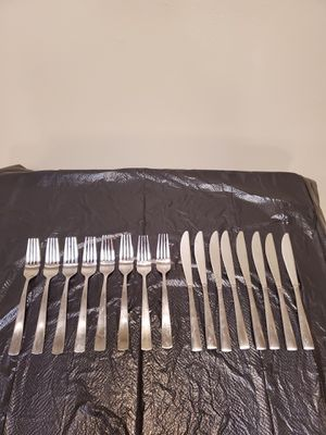 STAINLESS EATING UTENSILS - 31 Pieces (please see all photos) - firm price. for Sale in Arlington, VA